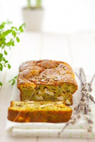 Courgette cake with feta and sundried tomatoes