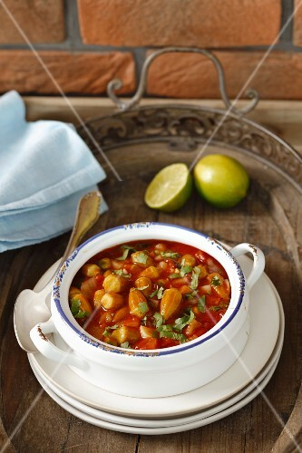 Okra and tomato stew