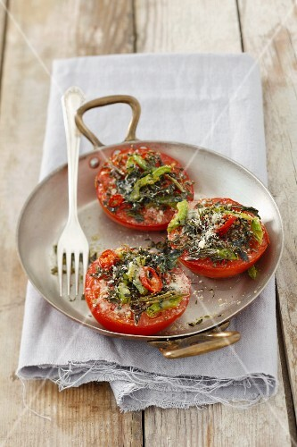 Baked tomatoes with herbs