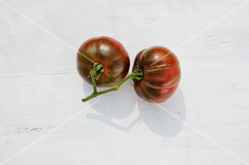 Tomatoes of the variety 'Pink Boar'