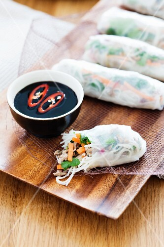 Rice paper rolls filled with turkey and vegetables