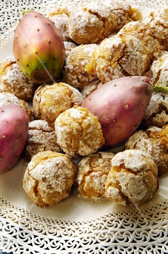 Almond biscuits and prickly pears