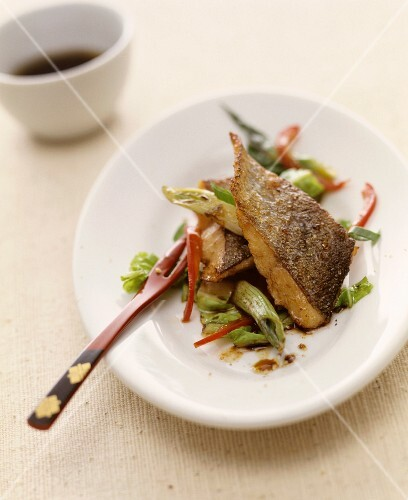 Bass with vegetables (Asia)