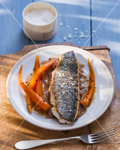 Bass fillet with carrots