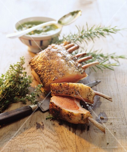 Rack of lamb with thyme and rosemary