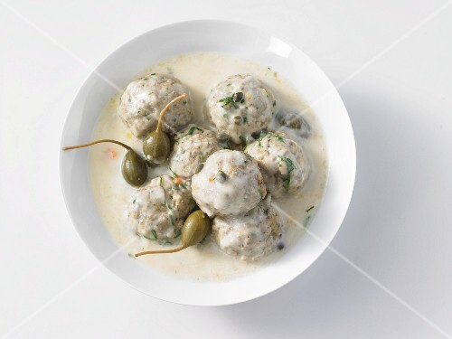 Königsberger Klopse (Meatballs in white sauce with capers)