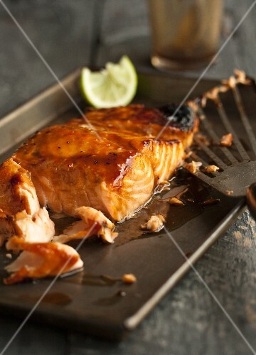 Grilled salmon fillet with miso