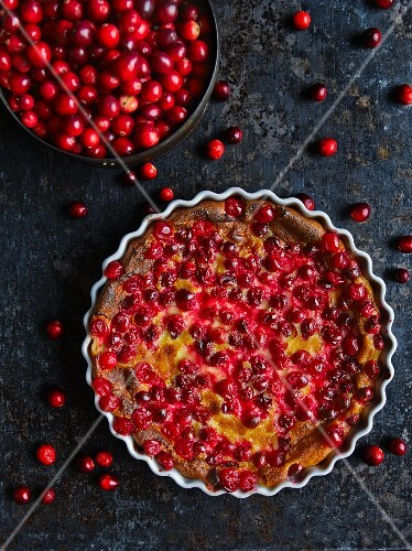 Cranberry clafoutis and fresh cranberries