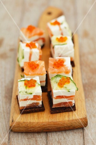 Cream cheese & smoked salmon terrine with courgette and caviar, on pumpernickel