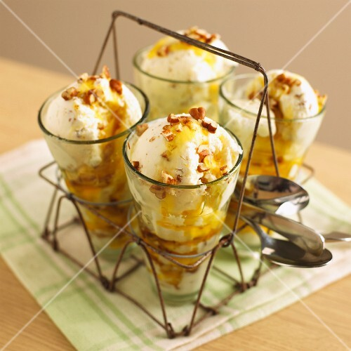 Butterscotch-walnut sundaes in a wire bottle carrier