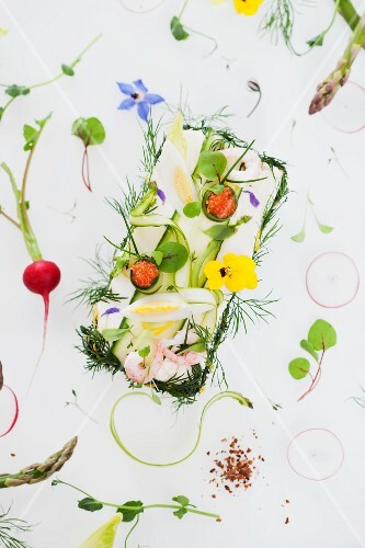 Bread filled with cream cheese, egg, prawns, herbs and edible flowers