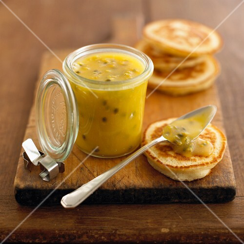 Lemon curd with passion fruit for pancake topping