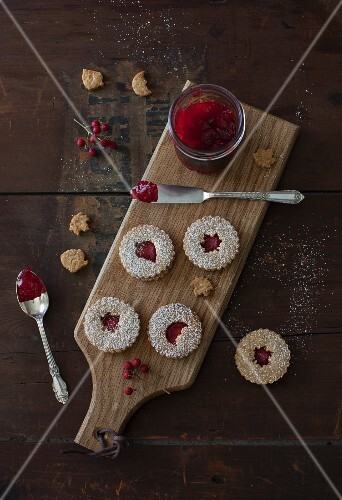 Linzer Cookies with Cranberry Jam