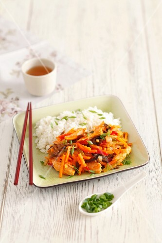 Chicken with vegetables and rice