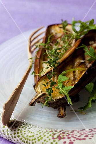 Grilled aubergines with thyme and parmesan