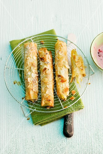 Strudel rolls with pear filling
