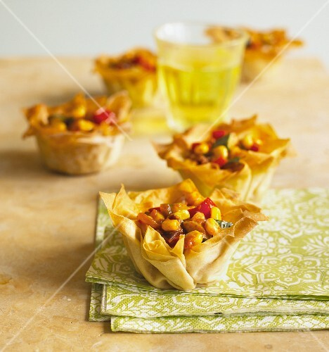 Filo pastry baskets filled with vegetable chilli