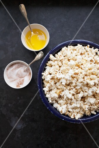 Popcorn with cinnamon sugar and melted butter