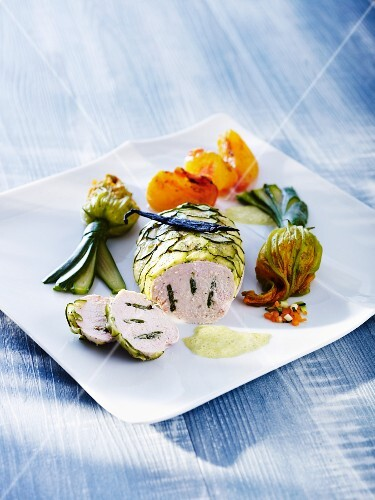 Stuffed chicken breast with verbena and courgette flowers