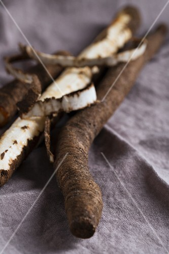 Black salsify, partially peeled