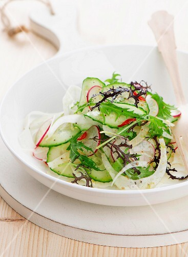 Cucumber and radish salad with rocket