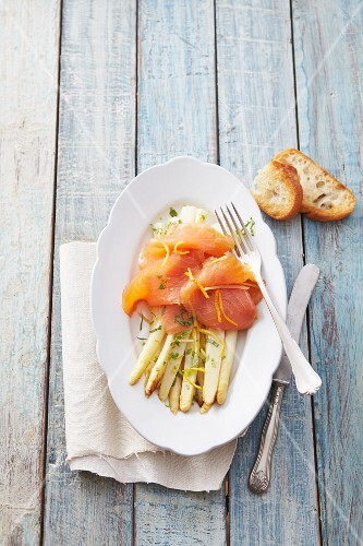 Roast asparagus with smoked salmon and lemon zest