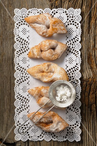 Bugnes (fried pastries, France)