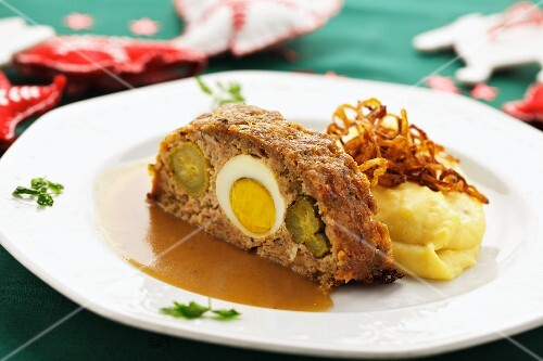 Stuffed meatloaf with mashed potatoes