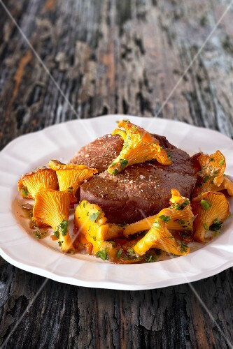 Fillet of beef with chanterelles