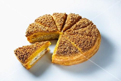 Galette des Reines (piffy pastry pie filled with cream)