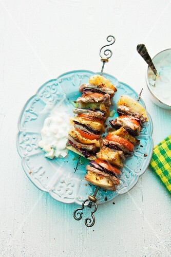 Grilled doner kebabs with yogurt sauce