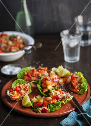 Salad wraps with chicken and pineapple salsa