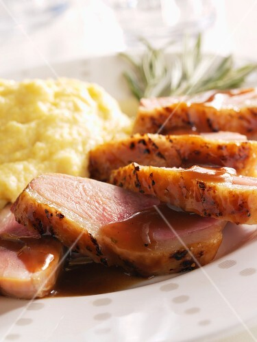 Gammon with gravy and mashed potatoes