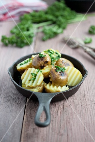 Fried potatoes with parsley