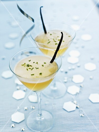Mojitos granished with vanilla pods