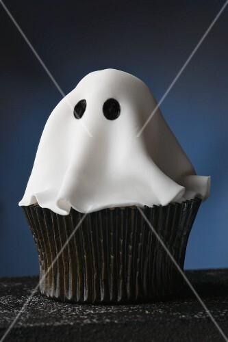 A ghost cupcake for Halloween