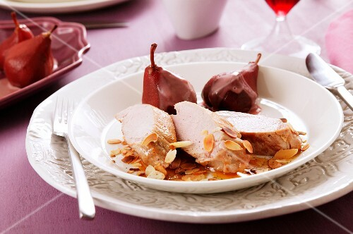 Chicken breast with almonds and red wine pears