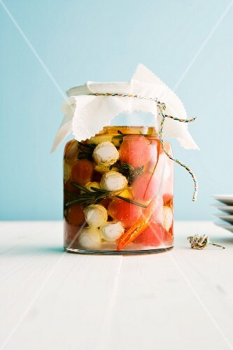 Tomatoes and mozzarella preserved in olive oil