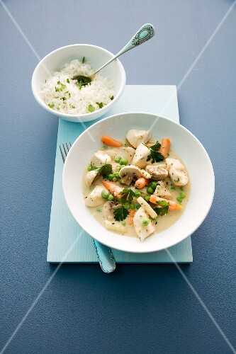 Quick chicken fricassee with rice