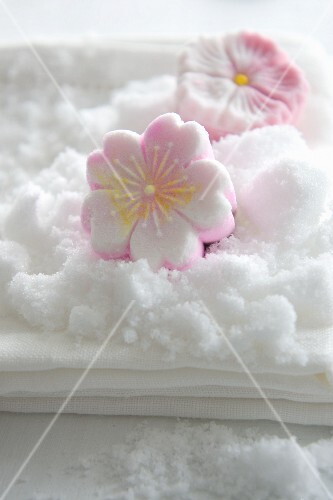 Sugar flowers made from compacted sugar (Rakugan)