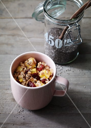 Detox muesli with mango and poppyseeds