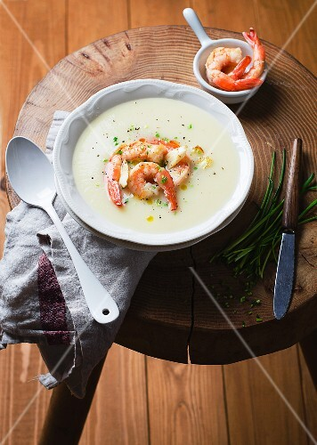 Prawn soup with chives