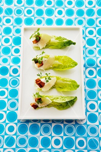 Baby cos lettuce with cream cheese, chervil and croutons