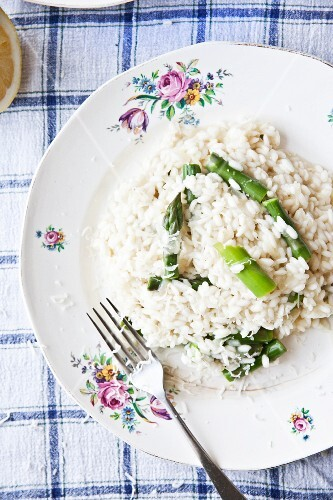 Risotto with green asparagus and Parmesan (seen from above)