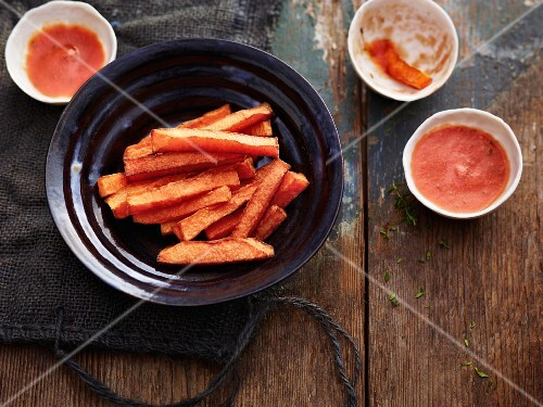 Pumpkin fries with chilli tomatoes