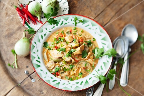 Red Thai curry with chicken and aubergines
