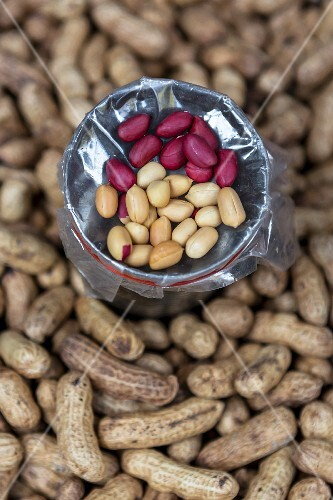 Peanuts, whole and shelled, at a market (Thailand)