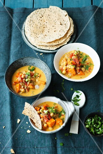 Sweet potato curry with unleavened bread