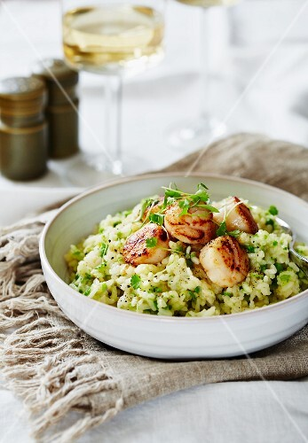 Asparagus risotto with scallops
