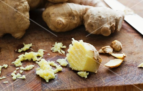 Fresh ginger roots, partially grated